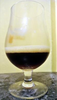 2017-10-15 - 400 - Les Bière Béluga Scotch Ale à l'érable poured _500beers